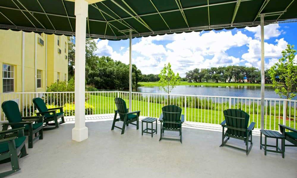 Sun room at Arbor Oaks at Lakeland Hills