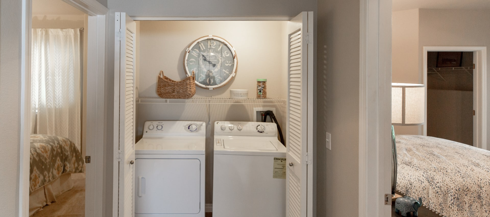 In-unit washer and dryer at Wolf Ranch Condominium Rentals in Sacramento