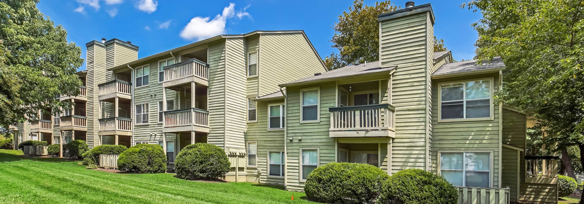 Beautiful apartments at Hunter's Chase Apartments in Midlothian, Virginia