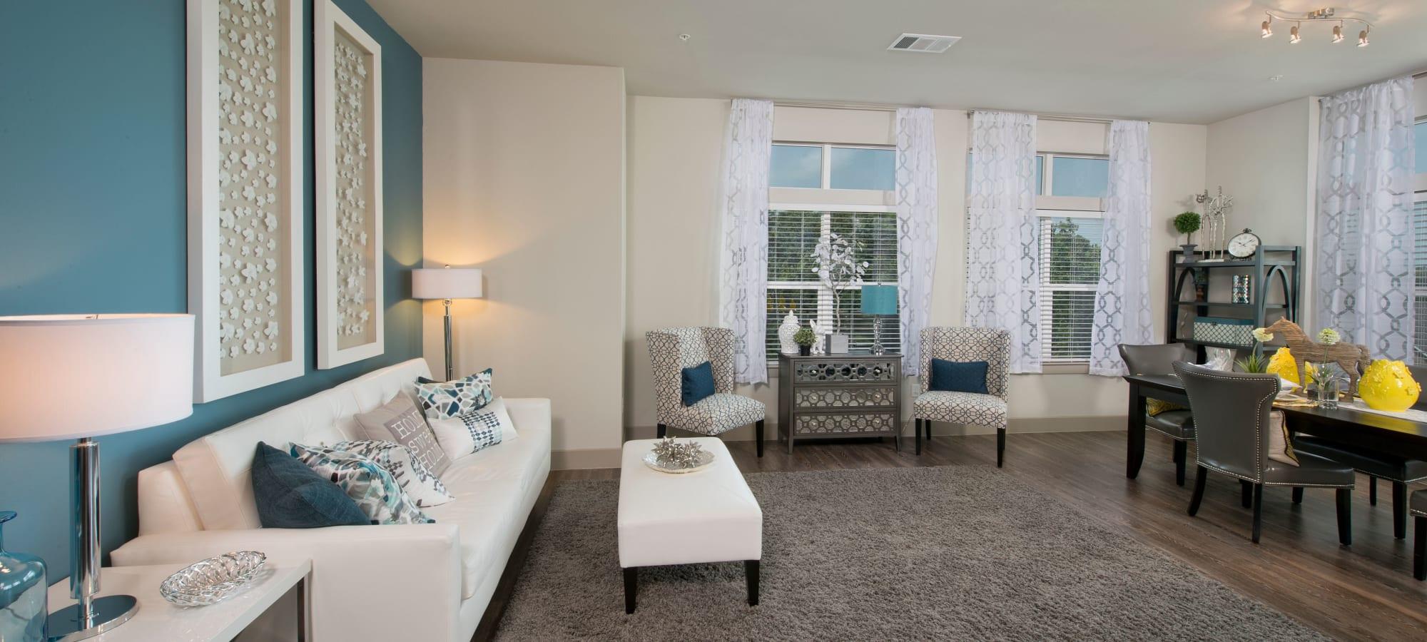 Houston, Texas apartments at Vargos on the Lake