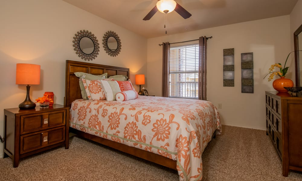Carpeted bedroom at Park at Tuscany in Oklahoma City, Oklahoma