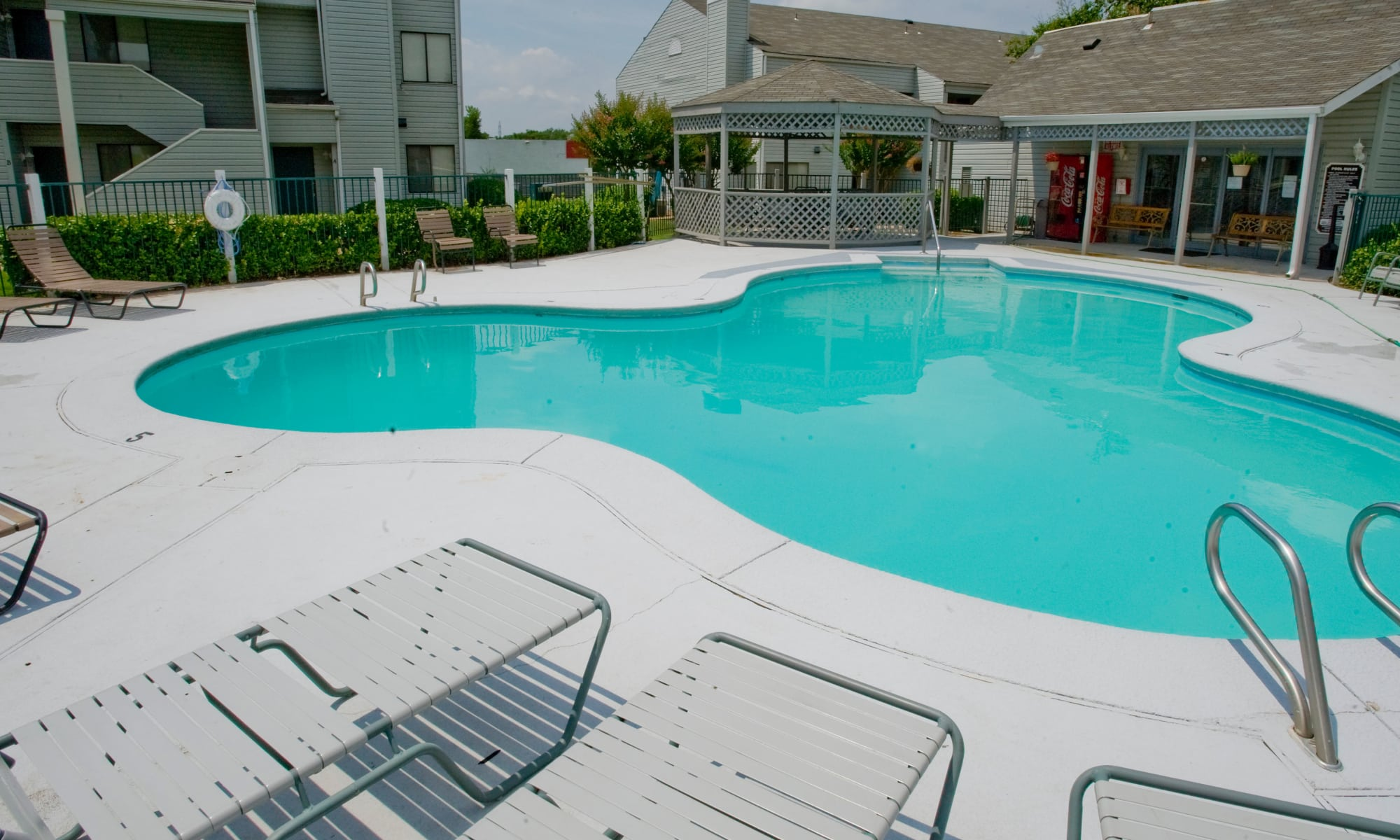 Resort style pool at Boulder Ridge apartments in Tulsa, Oklahoma