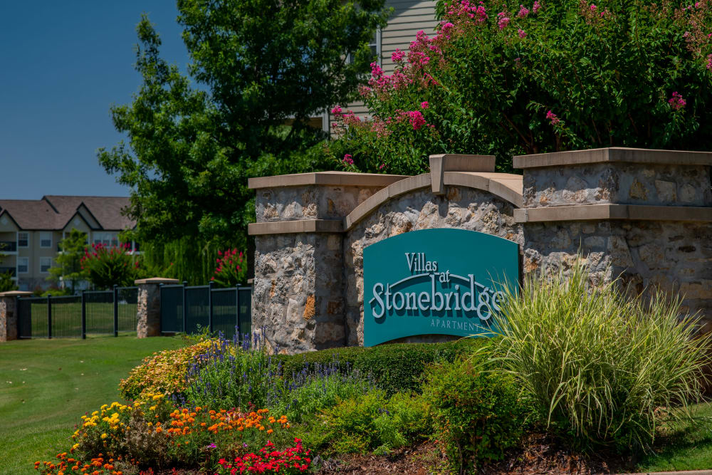 Property sign at Villas at Stonebridge in Edmond, Oklahoma