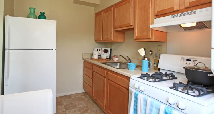 Fully-equipped kitchens at Harbor Point Estates allow for endless culinary creations!