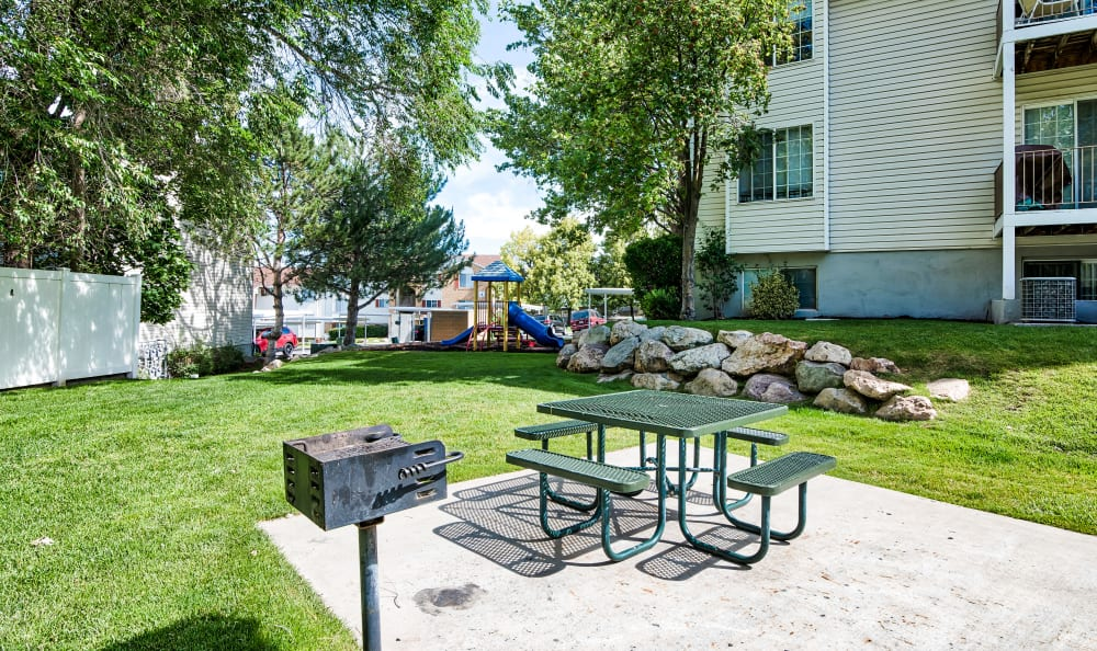 BBQ/Picnic Area at Cherry Lane Apartment Homes in Bountiful