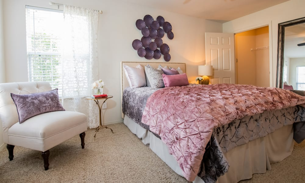 Large windows in bedroom at Colonies at Hillside in Amarillo, Texas