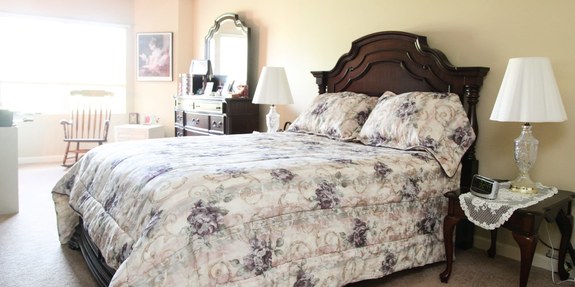 A model resident bedroom in a Keystone community
