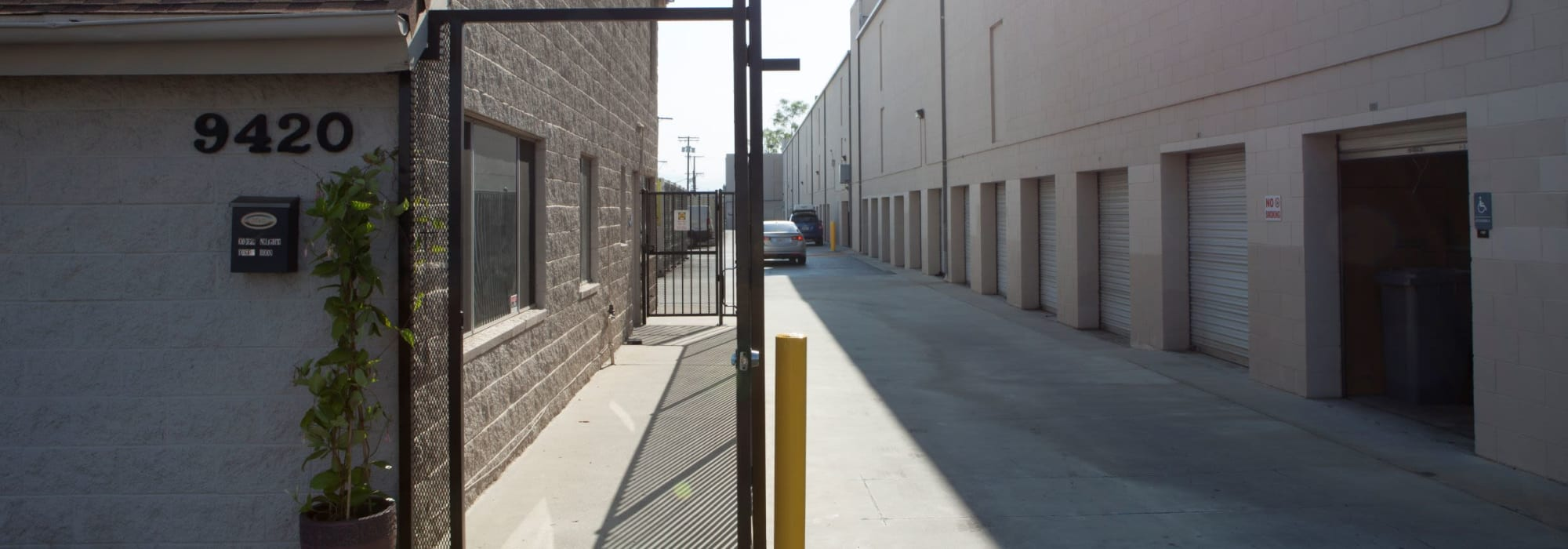 Self storage in Chatsworth CA