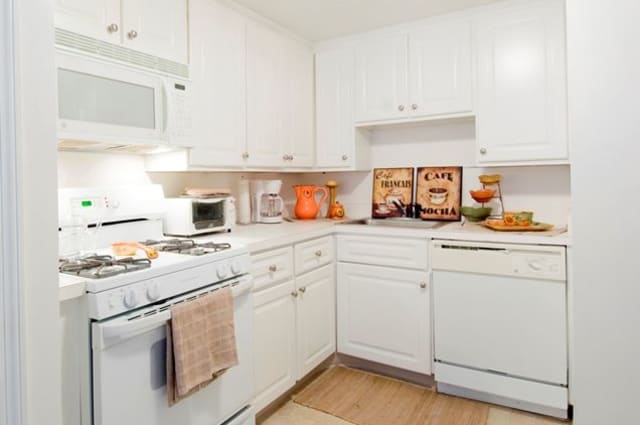 Fully Equipped Kitchen at Talbot Woods Apartments in Middleboro