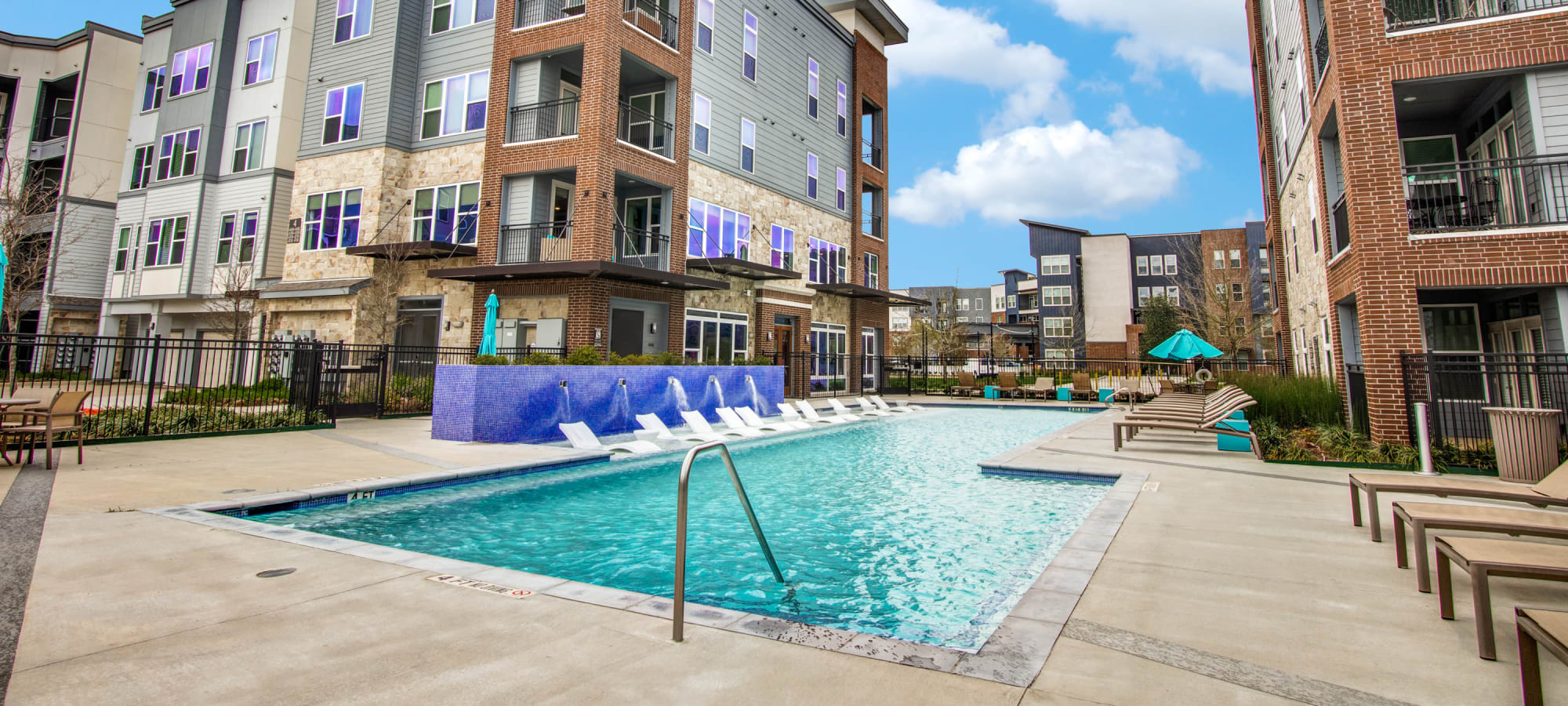 Apartment in Conroe, Texas near Enclave at Woodland Lakes
