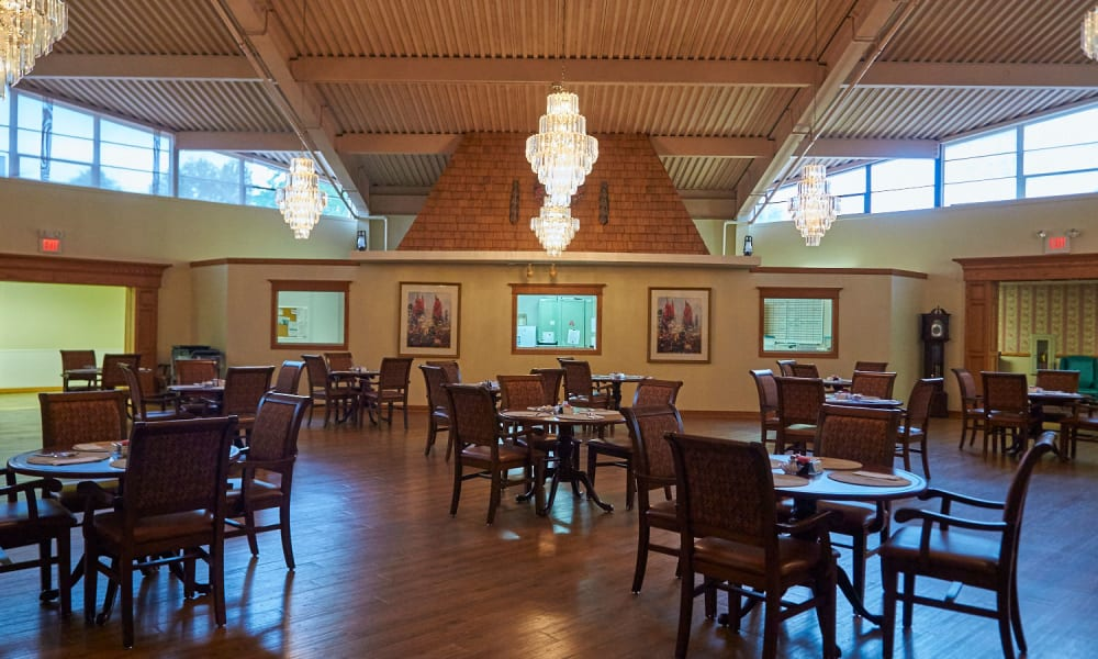 Enjoy your dinner at Clearview Lantern Suites's dining room in Warren, Ohio