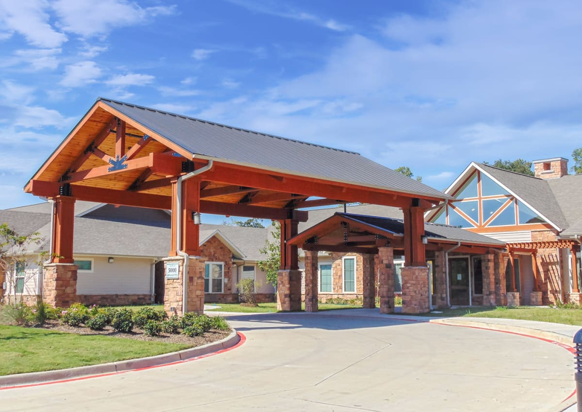 Wood Glen Court - Spring, TX Retirement Center Management