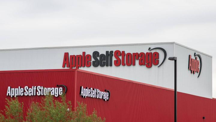 apple self storage rooftop