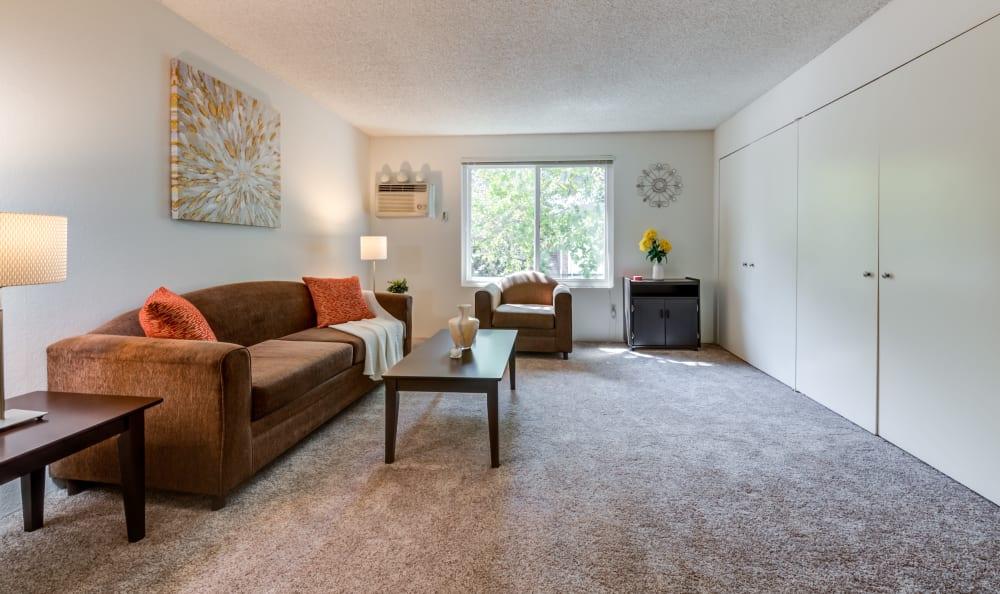 Spacious studio apartment at Vista Pointe I