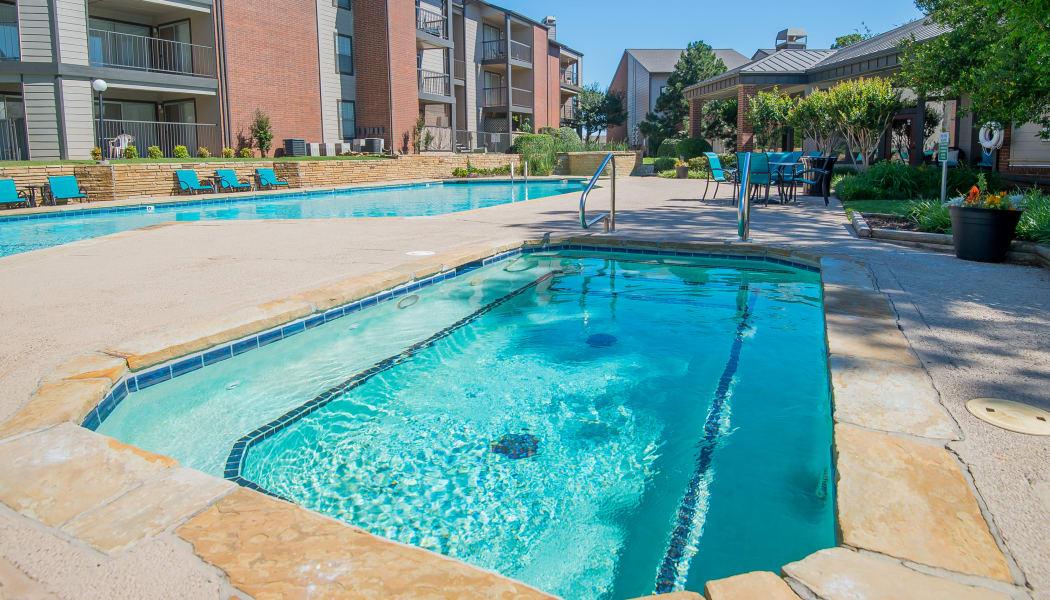 Hot tub at Hunter's Ridge in Oklahoma City, Oklahoma