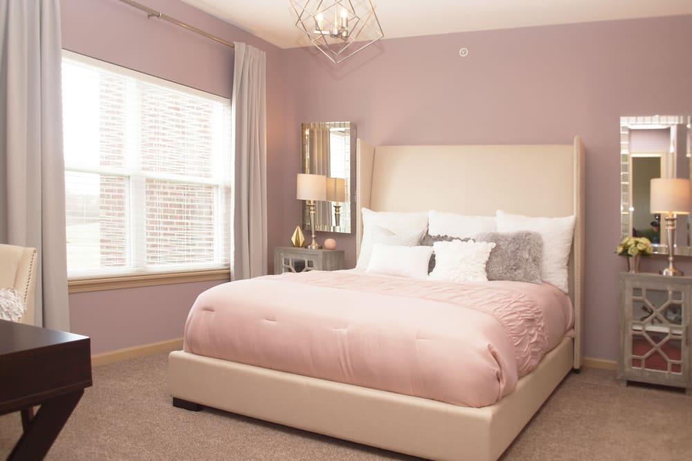 Our Beautiful Apartments in Mason, Ohio showcase a Bedroom
