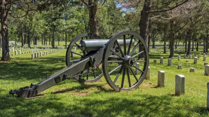 American Civil War history Museum with a canon near Olympus Hillwood Apartments in Murfreesboro, Tennessee