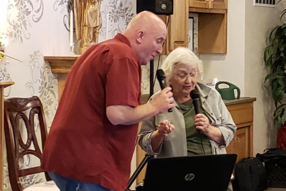 Residents singing karaoke at Allouez Sunrise Village in Green Bay, Wisconsin