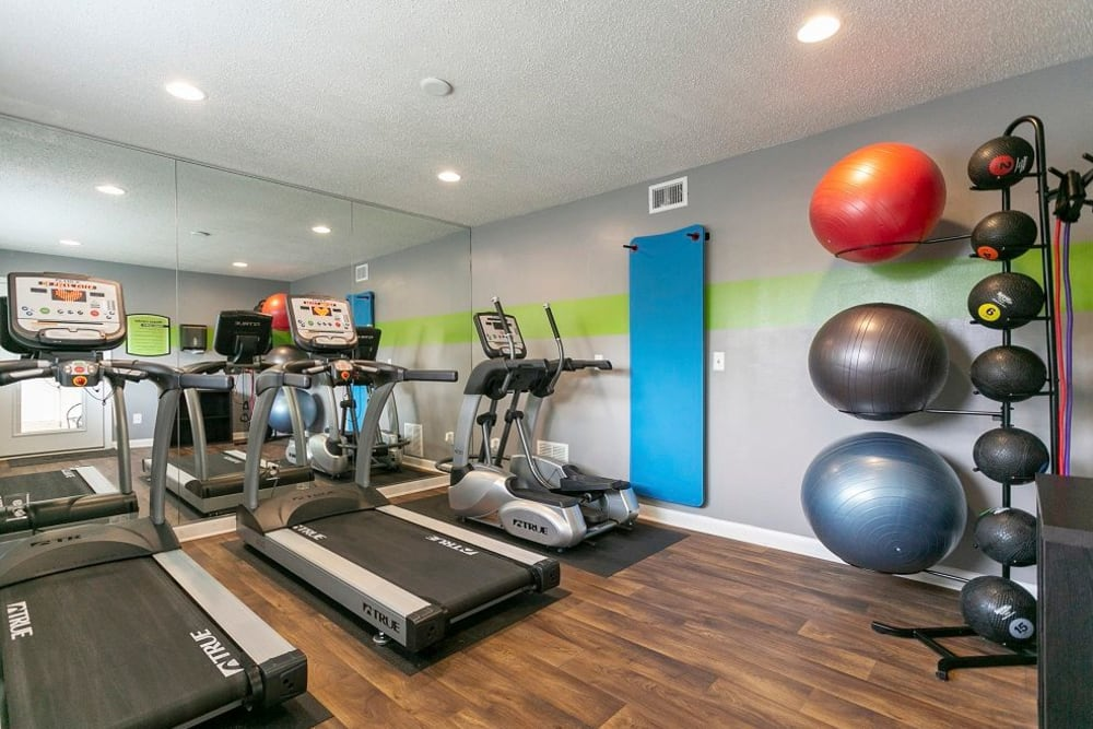 Fitness center at Candlewood Apartments in Nashville, Tennessee