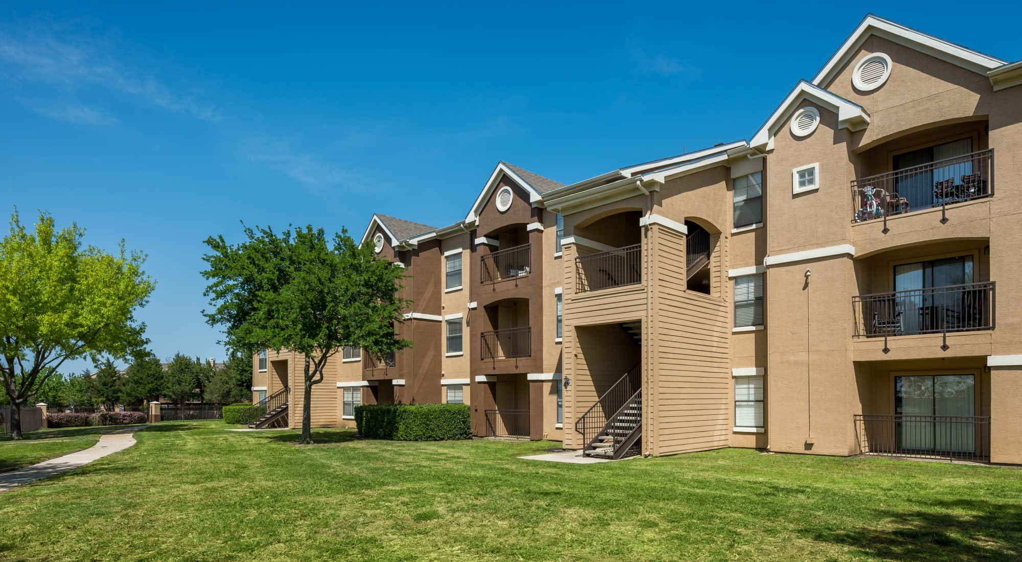 Pet-friendly apartments at Arbrook Park Apartment Homes in Arlington, Texas