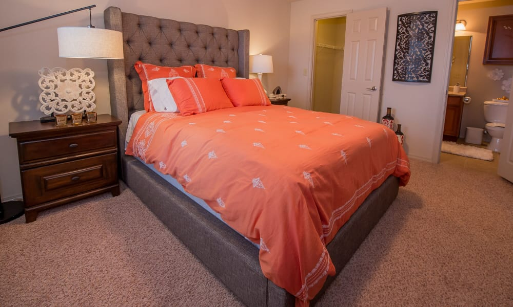 A well decorated bedroom at Prairie Springs in Oklahoma City, Oklahoma