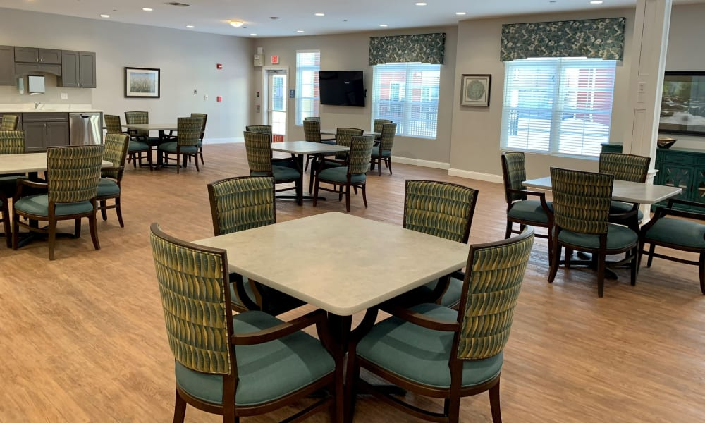Enjoy your dinner at Keystone Place at Wooster Heights's dining room in Danbury, Connecticut