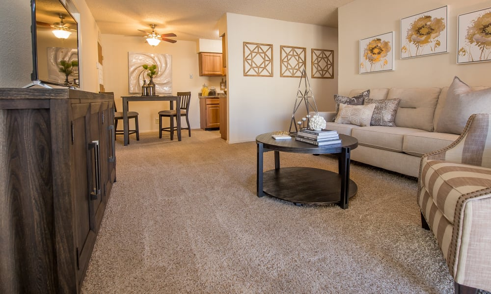 Living room at Sunchase Apartments in Tulsa, Oklahoma