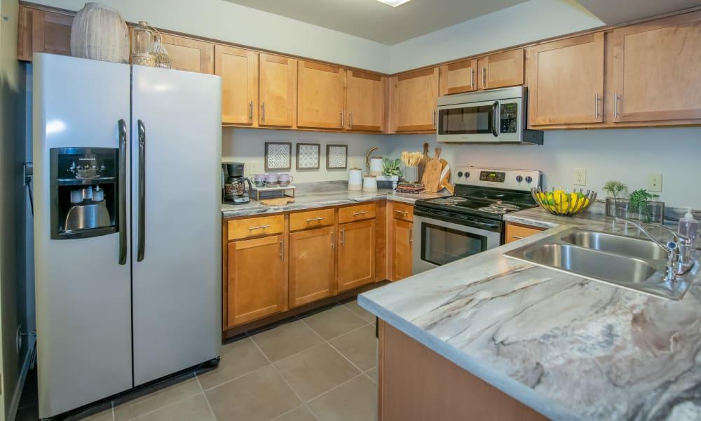 Bright kitchen at Cascata Apartments in Tulsa, Oklahoma