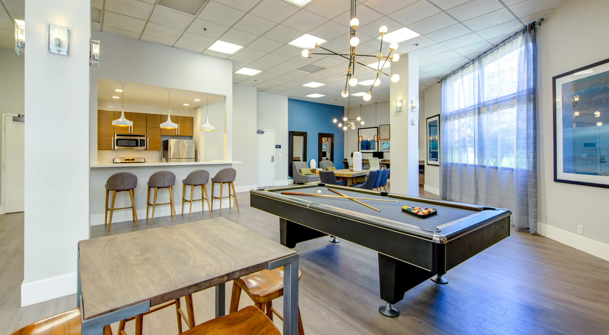 Apply to live at Sofi at 3rd in Long Beach, California