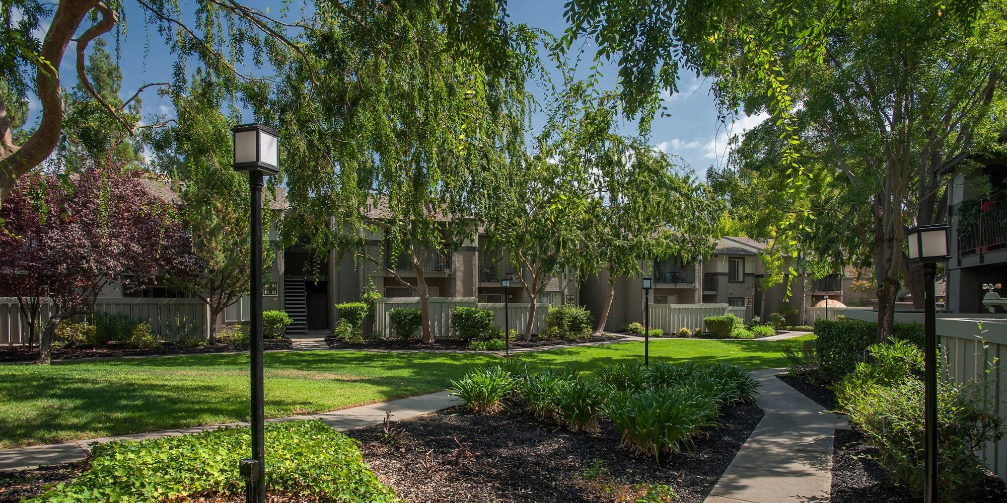 Luxury Valley Ridge Apartment Homes in Martinez, California