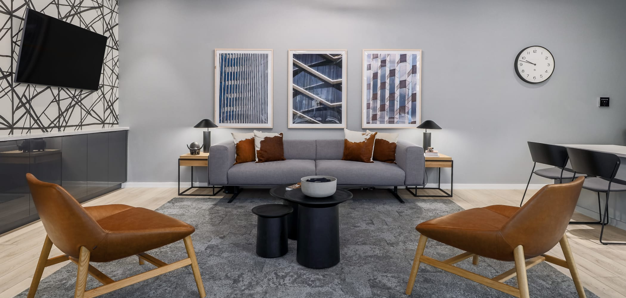 Modern Lounge at 21 Rio | Student Apartments in Austin, Texas