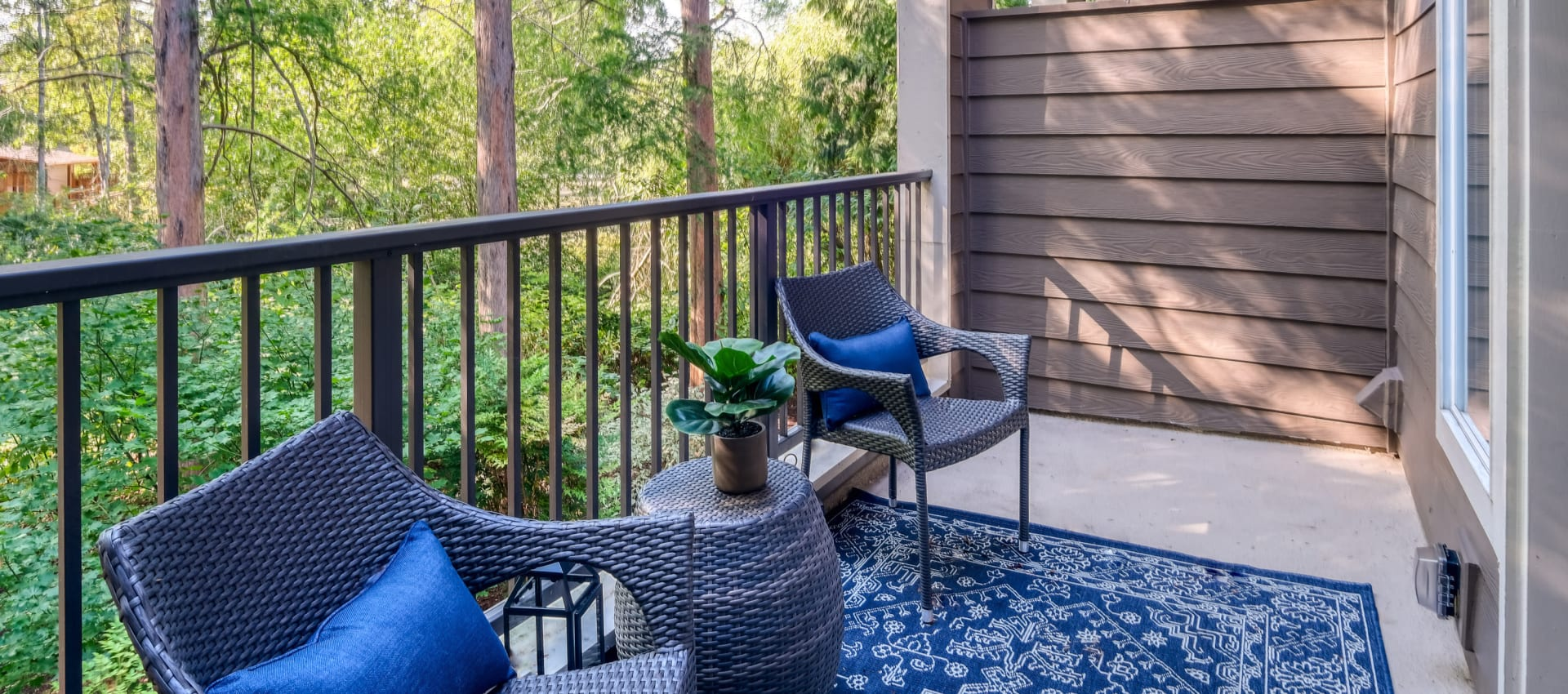 Patio at Waterhouse Place in Beaverton, OR