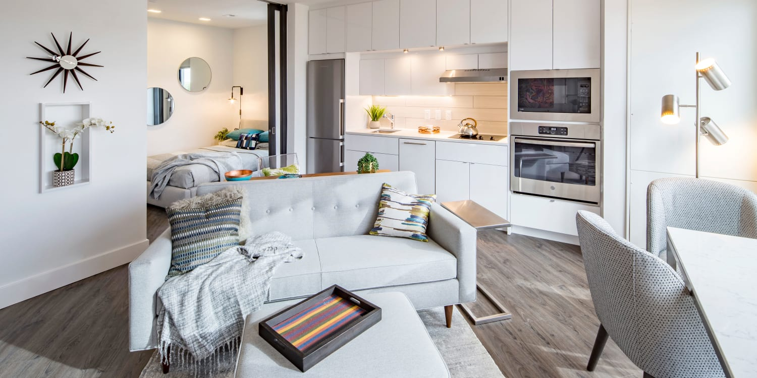 AdMo Heights offers a living room in Washington, District of Columbia