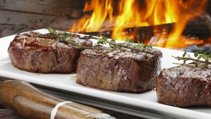 Delicious steak at a restaurant near Mosaic Dallas Apartments in Dallas, Texas