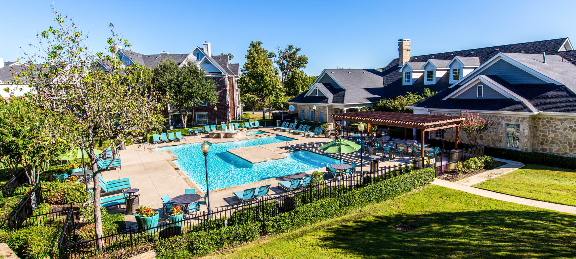 Apartments at Marquis at Silver Oaks in Grapevine, Texas