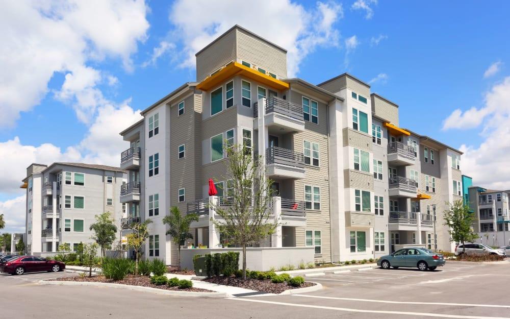 Link to neighborhood info for 50 Paramount in Sarasota, Florida