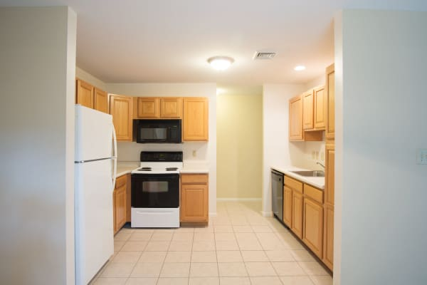 Fully Equipped Kitchen of Glenmont Manor in Glenmont