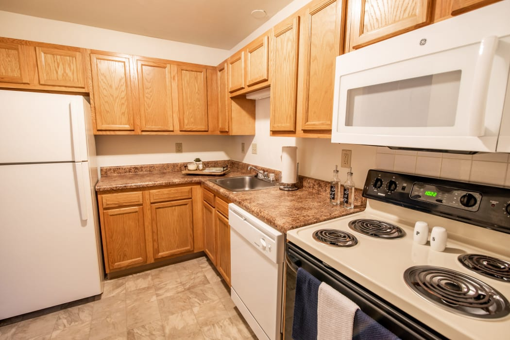 Harborside Manor offers fully-equipped kitchens in Liverpool, NY