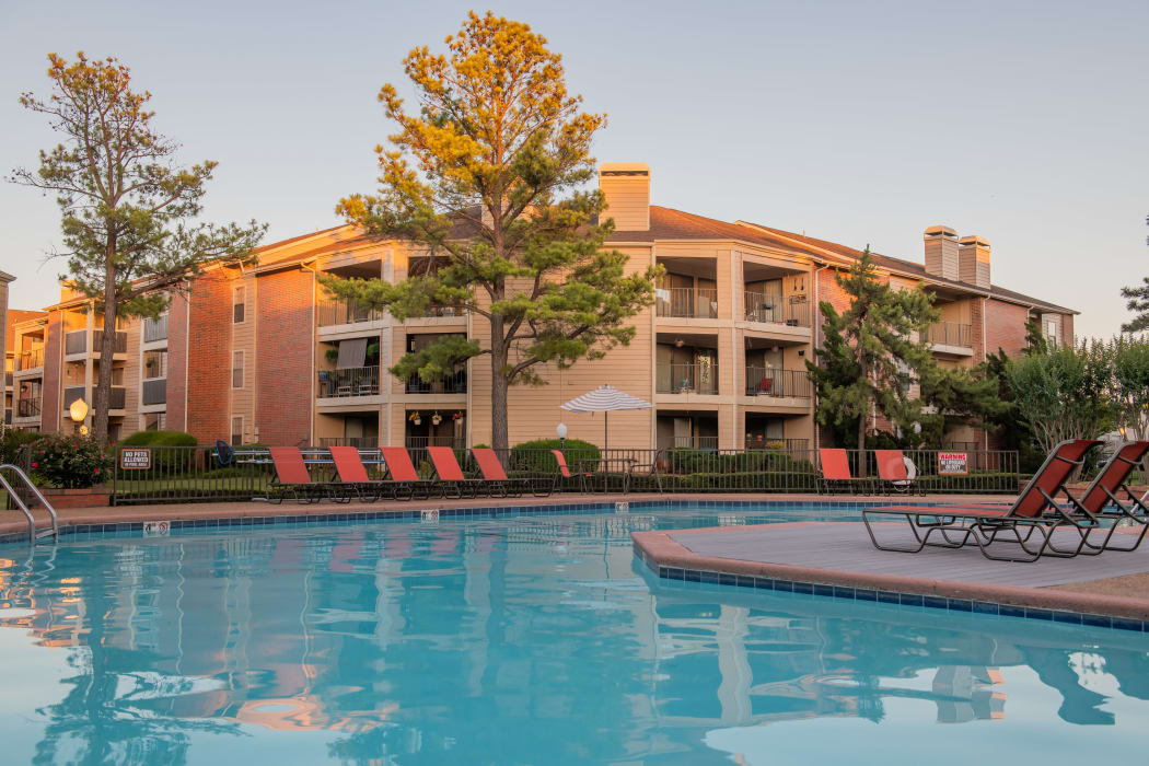 Relaxing pooll at Copperfield Apartments in Oklahoma City, Oklahoma