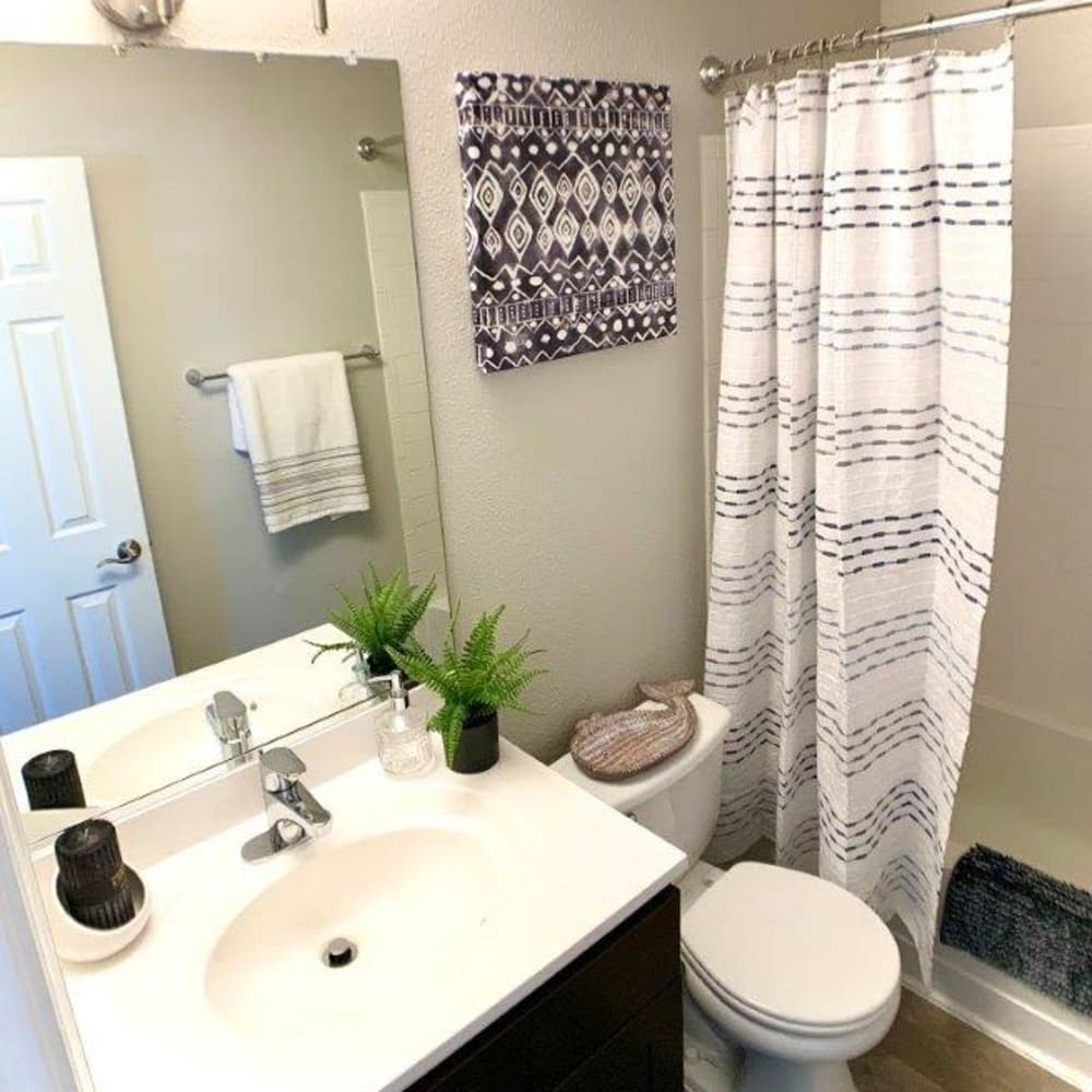 Villas at Greenview West offers a Bathroom in Great Mills, Maryland