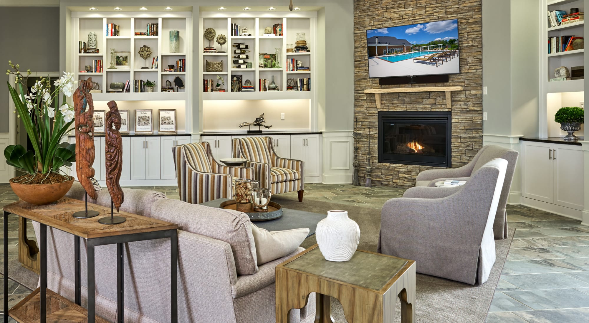 Stylist lounge at Suffolk, Virginia, apartments at Meridian Obici