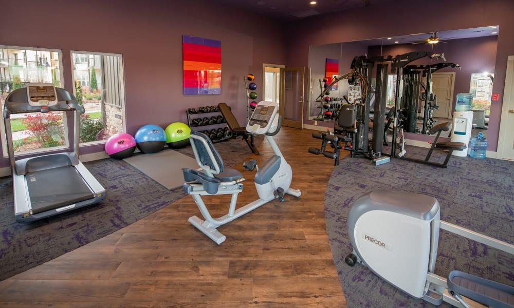 Fitness center at Stonehorse Crossing Apartments in Oklahoma City, Oklahoma