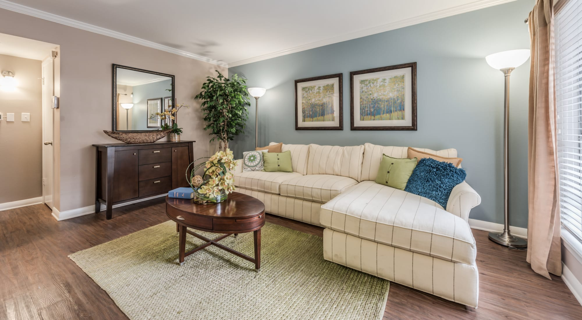 Schedule your tour of The Villages at Meyerland in Houston, Texas