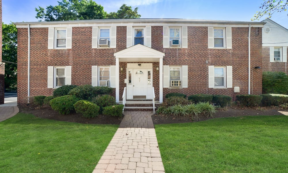Beautiful entryway at apartments in Highland Park, New Jersey
