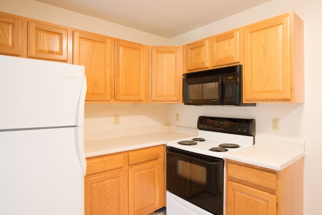 Fully Equipped Kitchen at Glenmont Manor in Glenmont