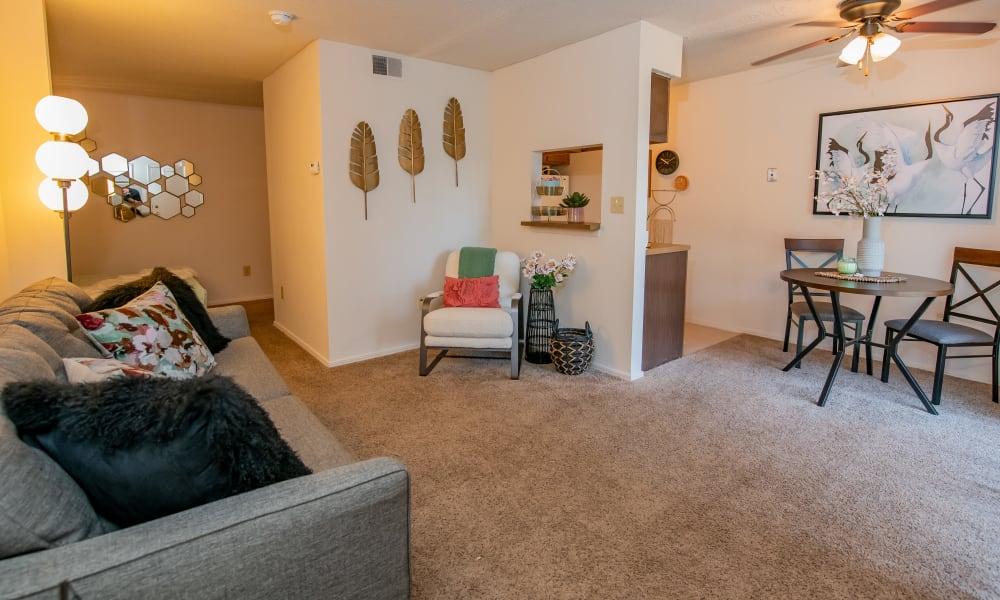 Studio floor plan at Raintree Apartments in Wichita, Kansas