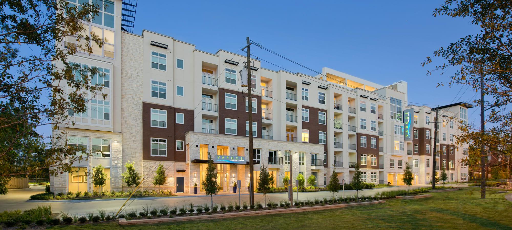 Apartments at Vargos on the Lake in Houston, Texas
