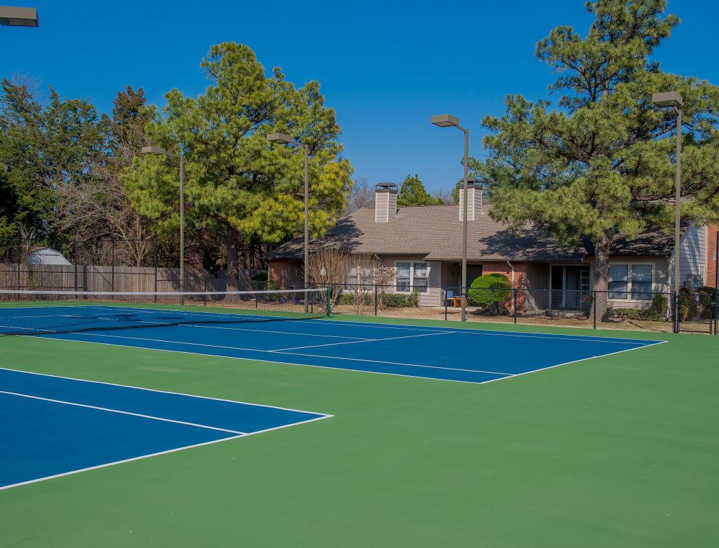 Woodscape Apartments' tennis court in Oklahoma City, Oklahoma