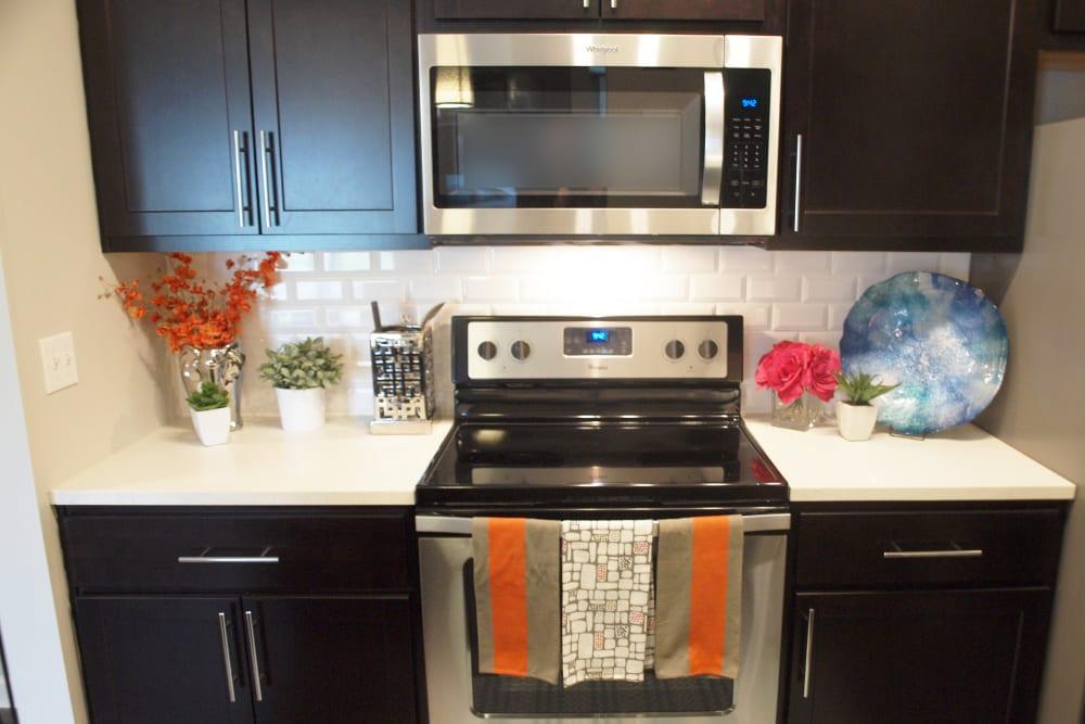 Shadow Ridge offers a Modern Kitchen in Louisville, Kentucky