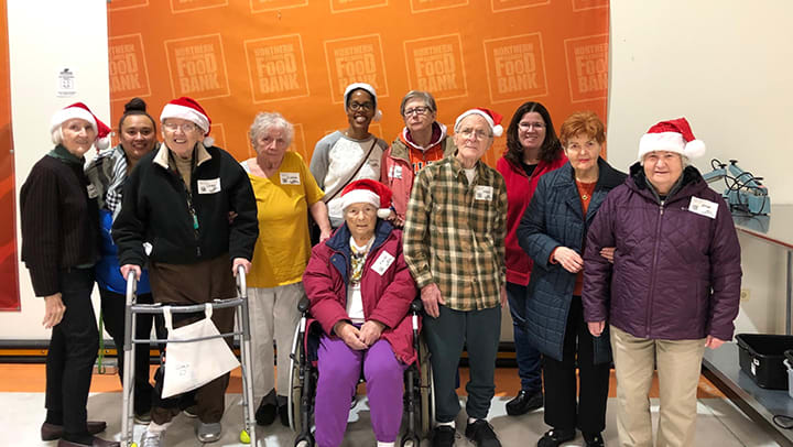 Memory Care Residents in Burr Ridge Illinois Help Local Food Bank